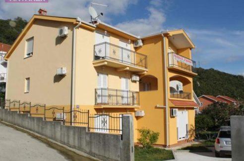 Apartment in a small building Igalo, Herceg Novi-Top Estate Montenegro