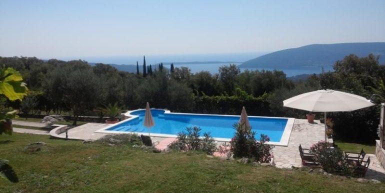 Real estate pool Herceg Novi Top Estate Montenegro