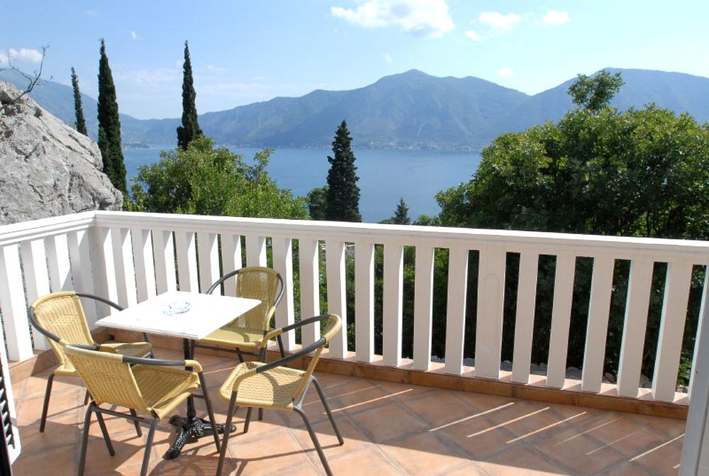 Villa with sea view & pool Orahovac, Kotor
