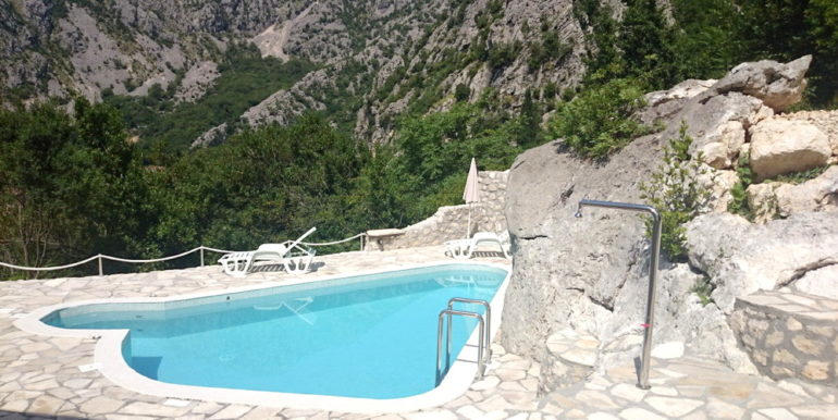 Vila Orahovac Kotor-Top Estate Montenegro