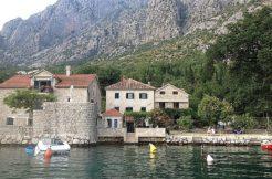 Каменный дом с причалом Ораховац Котор-Топ недвижимости Черногории