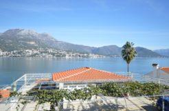Апартамент с видом на море Нивице, Герцег Нови-Топ недвижимости Черногории