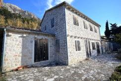 Красивый каменный дом Пераст, Котор-Топ недвижимости Черногории