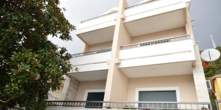 Удобная трехкомнатная квартира Игало, Герцег Нови-Топ недвижимости Черногории