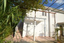 Kuća sa dva jednososbna stana Igalo, Herceg Novi-Top Nekretnine Crna Gora