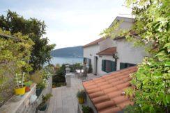 Geräumiges Haus mit wunderschönem Meerblick Herceg Novi-Top Immobilien Montenegro