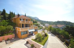 Beautiful two houses with big plot Topla, Herceg Novi-Top Estate Montenegro
