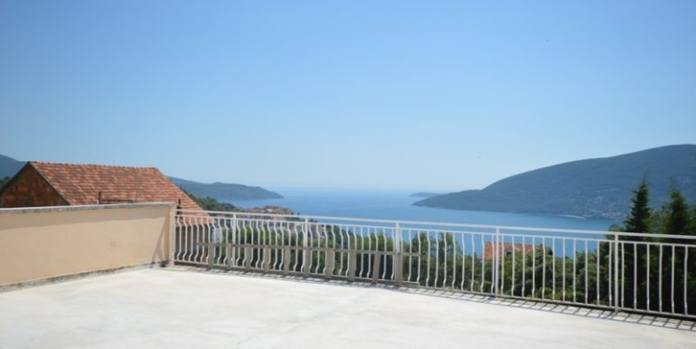 Жилой дом Топла, Герцег Нови-Топ недвижимости Черногории
