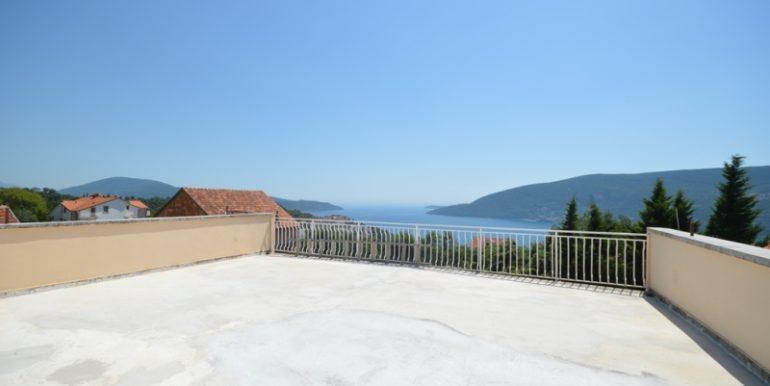 Kuća sa šest stanova Topla, Herceg Novi-Top Nekretnine Crna Gora