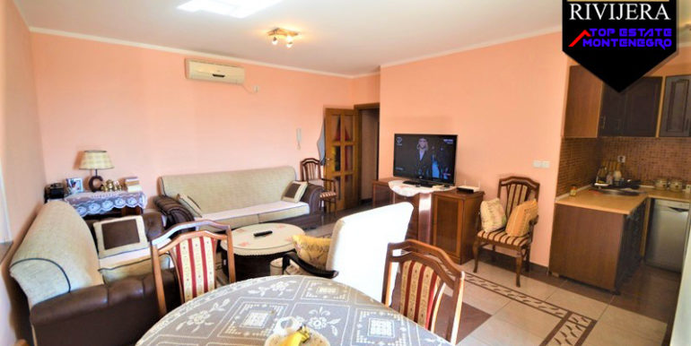 Двухкомнатная квартира недалеко от моря Игало, Герцег Нови-Топ недвижимости Черногории
