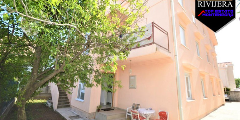 Дом с квартирами Биела, Герцег Нови-Топ недвижимости Черногории