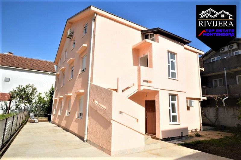 House with five flats Bijela, Herceg Novi