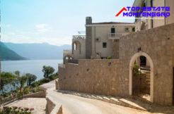 große_wohnung_in_luxusanlage_kostanjica_kotor_top_immobilien_montenegro.jpg