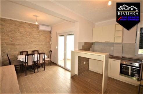 Wohnung mit Meerblick in der Nähe von Portonovi, Djenovici, Herceg Novi-Top Immobilien Montenegro