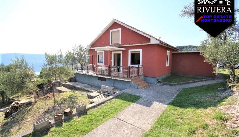 house_outside_the_city_trebesin_herceg_novi_top_estate_montenegro.jpg