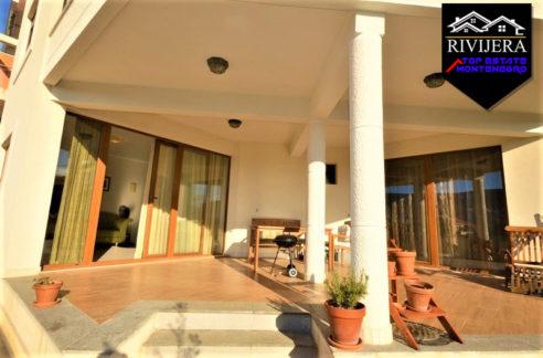 luxury_apartment_with_courtyard_topla_herceg_novi_top_estate_montenegro.jpg