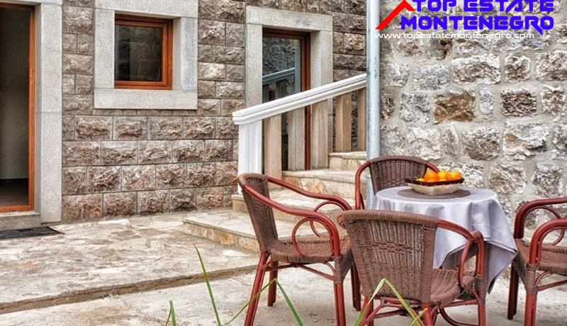 Villa mit Ferienwohnungen Bjelila, Tivat-Top Estate Montenegro