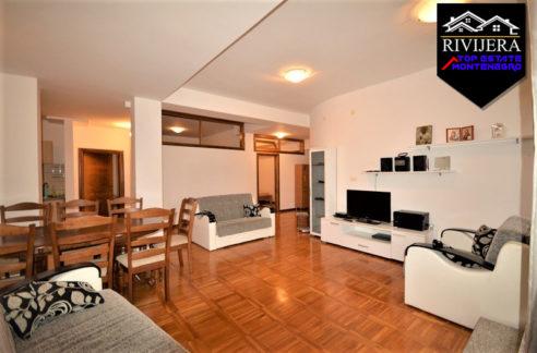 flat_near_sea_promenade_igalo_herceg_novi_top_estate_montenegro.jpg