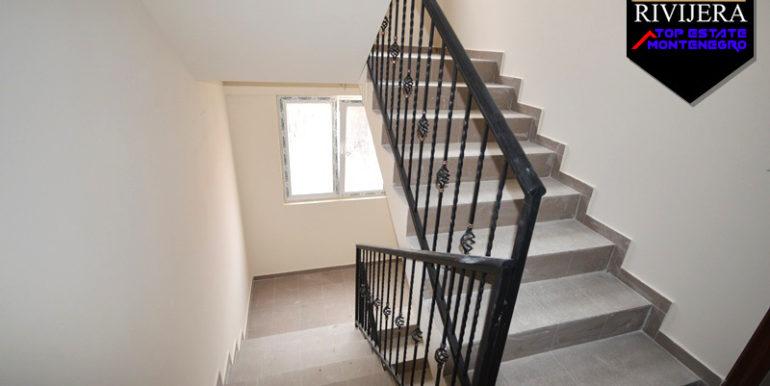 Новая квартира без мебели Игало, Герцег Нови-Топ недвижимости Черногории