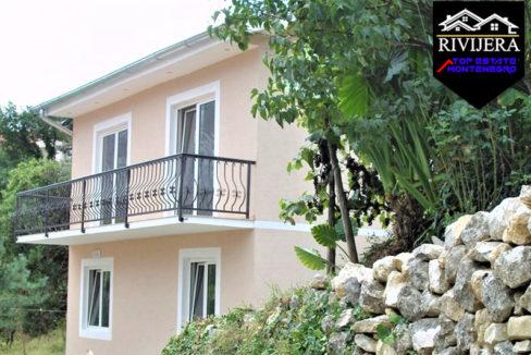 Prekrasna kuća Prčanj, Kotor-Top Nekretnine Crna Gora