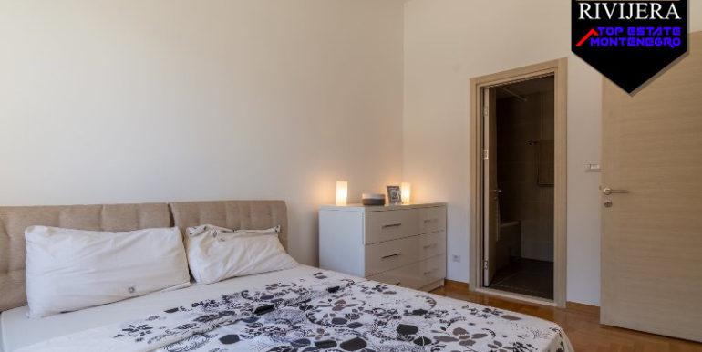 Moderne Zwei Zimmer Wohnung Morinj, Kotor-Top Immobilien Montenegro