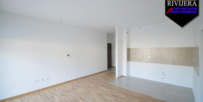 Новая квартира без мебели Биела, Герцег Нови-Топ недвижимости Черногории