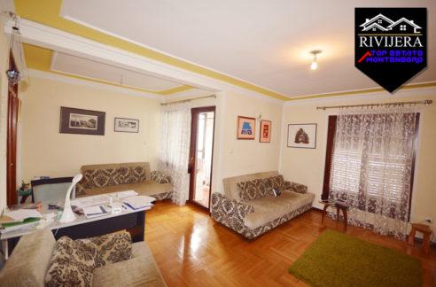 renovated_two_bedroom_flat_topla_herceg_novi_top_estate_montenegro.jpg