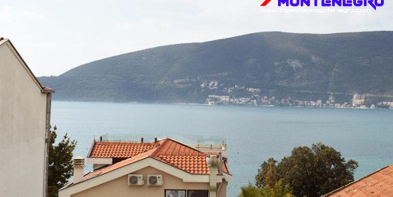 Хорошая квартира у моря Герцег Нови-Топ недвижимости Черногории