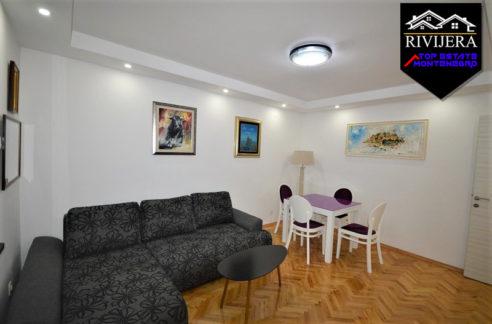 Schöne renovierte Wohnung Crveni Krst, Herceg Novi-Top Immobilien Montenegro