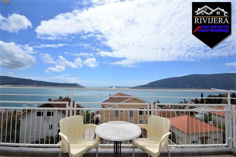 3-bedroom flat with extra sea view Herceg Novi