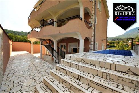 Kuća sa apartmanima Zelenika, Herceg Novi-Top Nekretnine Crna Gora