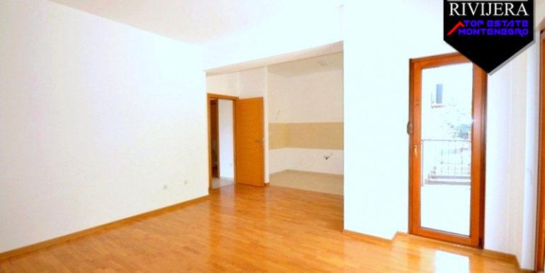 Квартира без мебели Баошичи, Герцег Нови-Топ недвижимости Черногории