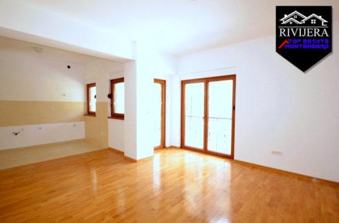 Unfurnished apartment Baosici, Herceg Novi-Top Estate Montenegro