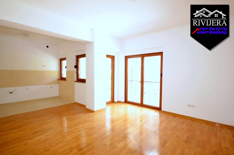 Unfurnished apartment Baosici, Herceg Novi