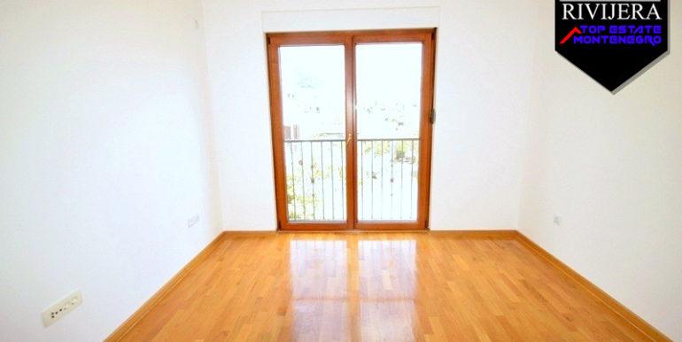 Unmöblierte Wohnung Baosici, Herceg Novi-Top Immobilien Montenegro