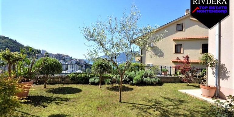 Квартира с двором Топла, Герцег Нови-Топ недвижимости Черногории