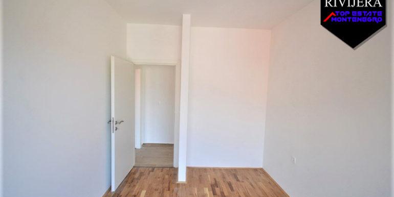 Neue unmöblierte Zweizimmerwohnung Topla, Herceg Novi-Top Immobilien Montenegro