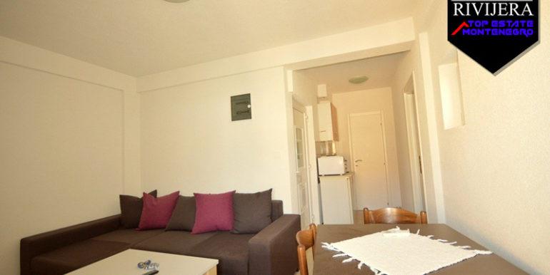 Хорошая маленькая однокомнатная квартира Игало, Герцег Нови-Топ недвижимости Черногории