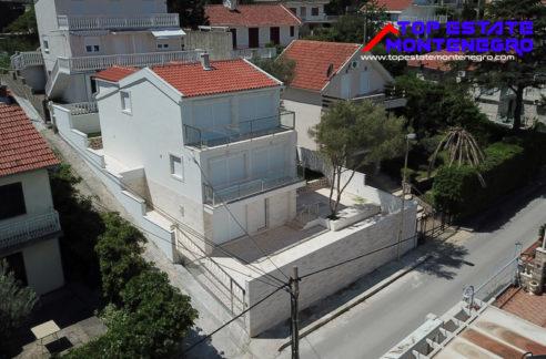 beautiful_new_house_krasici_tivat_top_estate_montenegro.jpg