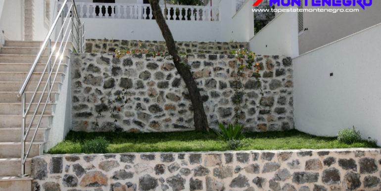 Kuća druga linija Krašići, Tivat-Top Nekretnine Crna Gora