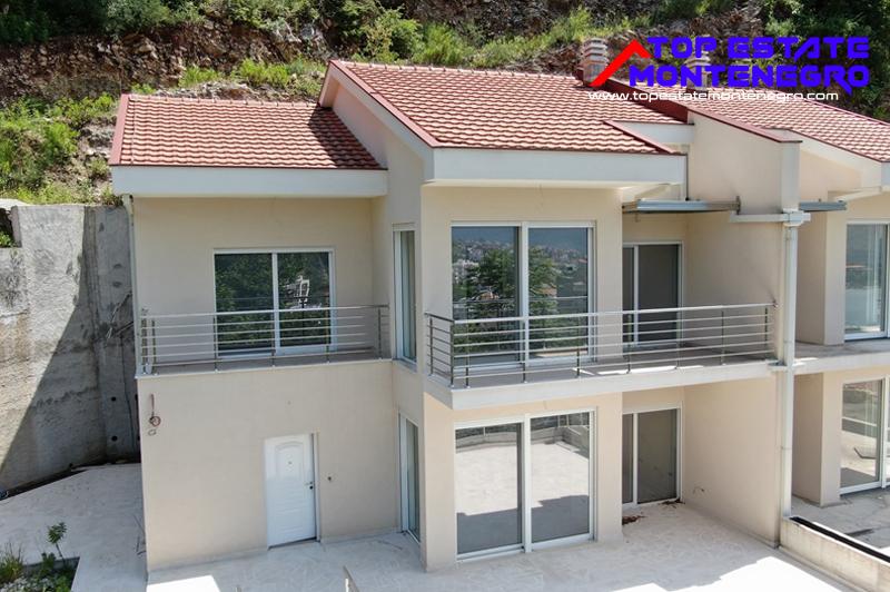 Sehr attraktives Reihenhaus Topla, Herceg Novi-Top Immobilien Montenegro
