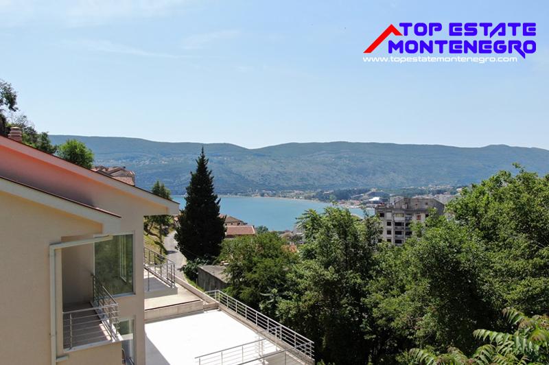 Vrlo atraktivna kuća u nizu Topla, Herceg Novi-Top Nekretnine Crna Gora