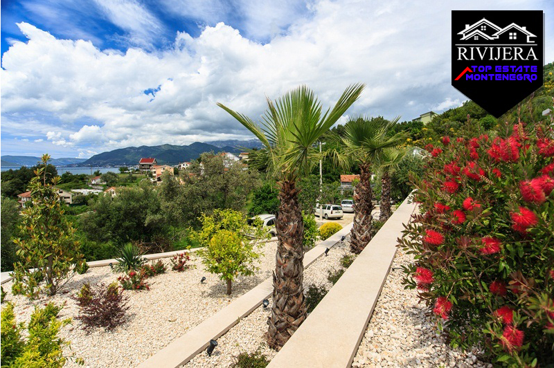 Amazing townhouse with pool, Tivat-Top Estate Montenegro