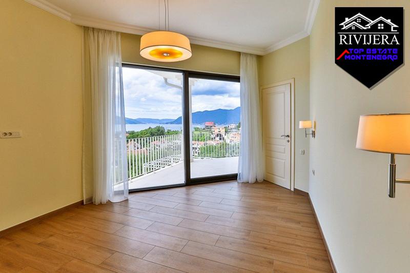 Idealna porodična vila na mirnoj lokaciji, Tivat-Top Nekretnine Crna Gora