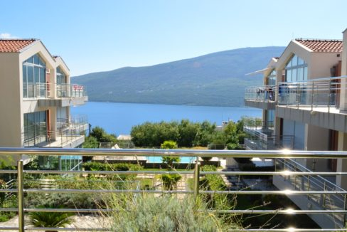 Sunny and modern apartment with community pool Djenovici, Herceg Novi-Top Estate Montenegro
