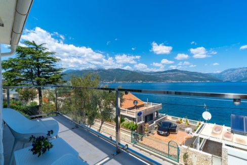 House with sea view Krasici, Tivat-Top Estate Montenegro