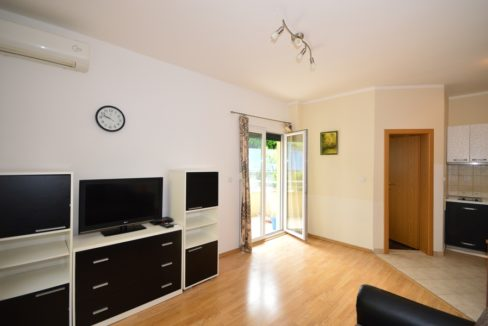 Furnished apartment with balcony Djenovici, Herceg Novi-Top Estate Montenegro