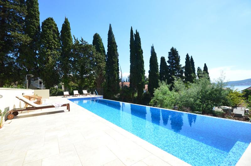 Exclusive villa with pool Baosici, Herceg Novi-Top Estate Montenegro