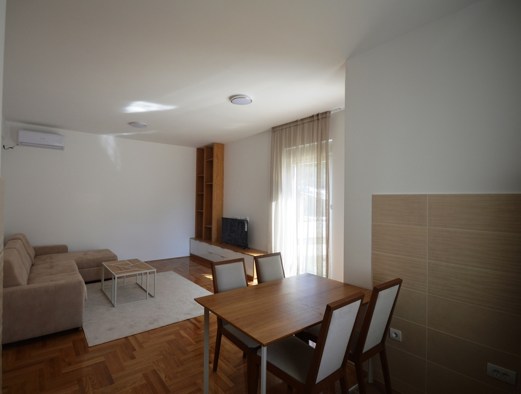 Wonderful newly-built apartment in Tivat