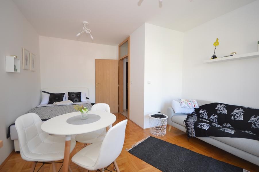 rn2367-schones-kleines-studio-igalo-herceg-novi-top-immobilien-montenegro